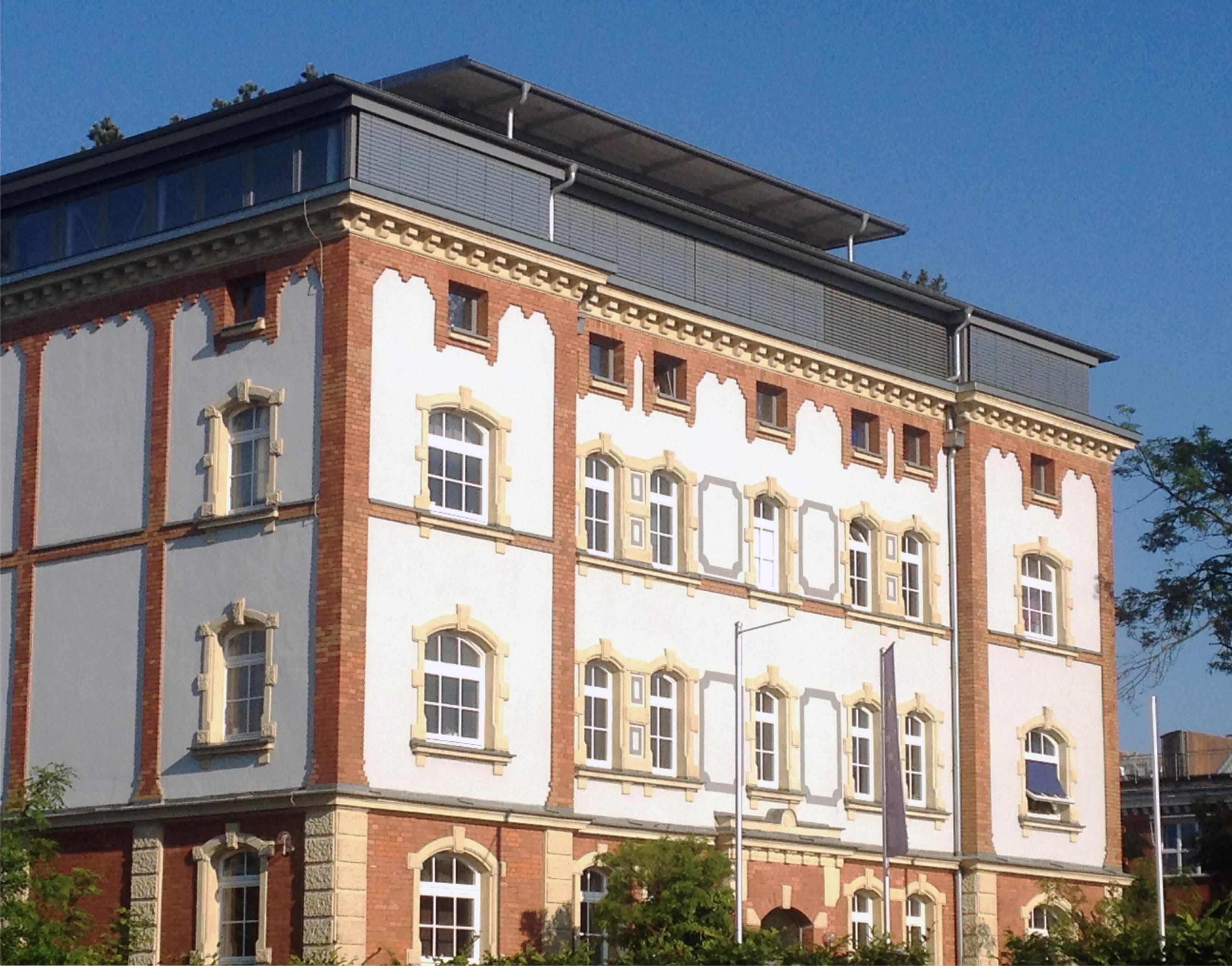 csr_LANG_HomeStart_Hausfassade
